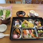 ともしげ - 和牛すきやき膳付き会席弁当…6,000円(仕出し用)