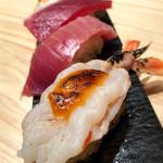 鮨・酒・肴 杉玉 - 炙り海老 雲丹ソースと盛り合わせ