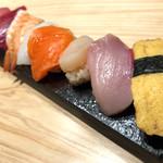 鮨・酒・肴 杉玉 - お寿司盛り合わせ