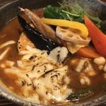 Rojiurakarisamurai - 13種の野菜の他に、牛すじとJAFサービスの焦がしチーズ