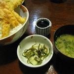 天ぷらふそう - 味噌汁、漬物付き