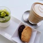 カフェ ローブ - カフェラテとキウイのパンナコッタ