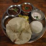 shiva curry wara - Curry Plate カレー2種、チーズクルチャ&ミニライス
