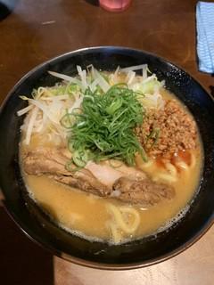 麺屋えびす - 味噌とんこつ780円