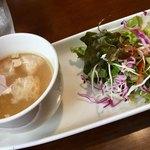 風音 - スープは色んな具材が入ったコンソメスープ