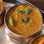 バンゲラズ キッチン - 野菜の甘みが溶けた野菜カレー