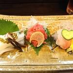 旬菜 ととや - 刺身3点盛り2000円