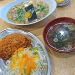 鳥竹 - ・チキンライス ¥800 ・特製スープ ¥750