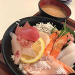 魚太郎 - 海鮮丼