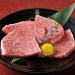清香園 - 当店自慢のロースです。適度に脂の乗った肉質は最高!