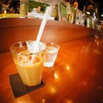 カフェ オトワヤ - ランチセットはドリンク付き。