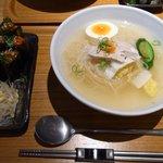 元祖 平壌冷麺屋 - 冷麺+チャンジャ巻きセット