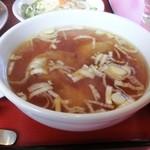 楓林 - 四川麻婆豆腐定食のワンタン入りスープ