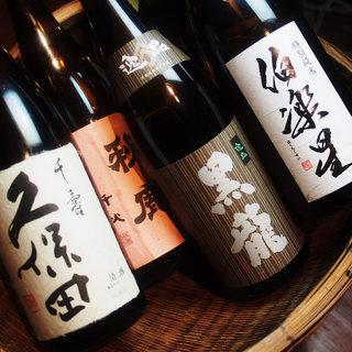 入手困難なこだわりの日本酒・焼酎を取り揃えております♪