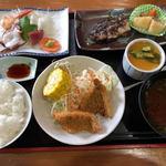 すし喫茶下町料理 やまむら - ランチ(800円)