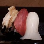 は満寿司 - 追加で中トロ、いか、アワビ