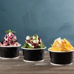Embassy Cafe & Dining - ふわふわ食感のかき氷。マンゴーのアイスブロックを削り、フレッシュなマンゴー果肉を添えたかき氷、淹れたてエスプレッソ掛けでパフェ感覚で食べられるかき氷、抹茶パウダーと黒ゴマきな粉でより豊かな風味に仕上げた宇治金時。こだわり抜いた3種類をご用意しています。