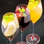 イタリアンKUROKIYA - 自家製サングリア ワインセラーも完備
