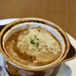 ロイヤルホスト - オニオングラタンスープ