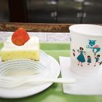 近江屋洋菓子店 - ショートケーキ(324円)、ドリンクバー(756円)