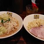 濃菜麺 井の庄 - 濃菜つけ麺  野菜大盛 (麺・普通盛)