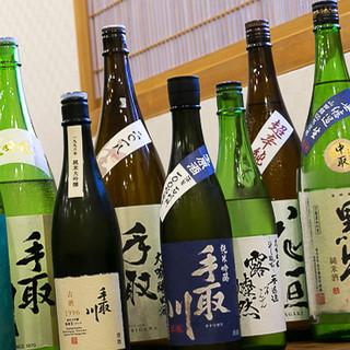 北陸の銘酒「手取川」をはじめ、こだわりの日本酒を揃えています