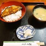 110285172 - 魚丼