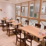 清勝丸 - テーブル席