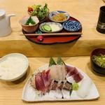葉山無垢 - 料理写真:地魚刺身5点盛り+定食セット