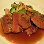 11031603 - 牛肉フィレ肉のグリル焼き