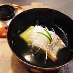 よし澤 - 房州竹岡産タチウオ 白髪葱 福岡県博多産翡翠茄子 利尻昆布と鮪出汁 柚子の香り