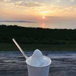 ミルミル本舗 - 「ミルクと塩黒糖」。