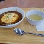 ワイズポム - 料理写真:カリーソースオムライス