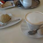 カフェ プラド - モンブランとカプチーノ