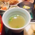 水たき料亭 博多華味鳥 - 鶏スープ
