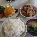 旭東洋 - 料理写真:イカフライと玉子焼き定食