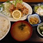 石津食堂 - 料理写真:唐揚げ定食ご飯大盛り