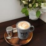ホサナカフェ - カフェオレ¥550