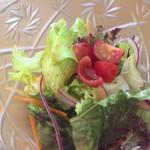 レストラン Time - サラダ(酸味が少し強いドレッシング)