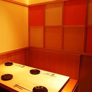【接待や食事会に】人気の個室は2名~8名様までご利用頂けます