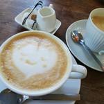 リトルカフェ ポルタ - カフェラテ とコーヒー