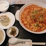 上海人人飯店 - ランチ エビチリソース丼セット
