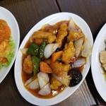 丸宝食堂 - ユーリンチィ、酢豚、エビチリ