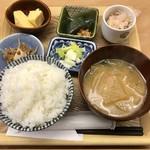 定食屋 ななつぼし - 鮭大判ハラミ焼き定食1100円