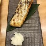 定食屋 ななつぼし - 本当に大判の鮭ハラミ