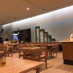 カフェ フィンセント - 店内