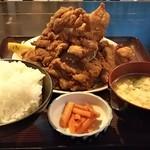日本亭 - ボリュームたっぷり!から揚げ定食