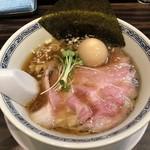 らーめん 稲荷屋 - 料理写真:醤油ラーメン 700円 味玉 100円