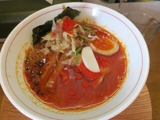 UMAMI SOUP Noodles 虹ソラ - トンカラらーめん 中辛(¥800)