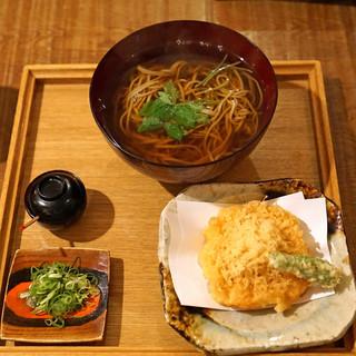 東白庵かりべ - 料理写真:天ぷらそば
